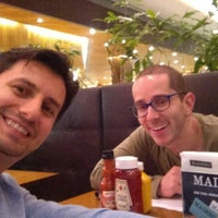 Photo taken at Madero Burger & Grill by Cadu G. on 9/5/2015