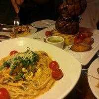 Photo taken at OUTBACK Steakhouse by Yoorim P. on 7/12/2014