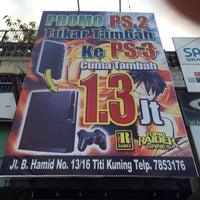 Photo taken at Sate Madura Pak Haji Rasyidi by Lukman T. on 10/4/2016