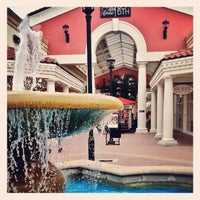 Photo taken at Orlando International Premium Outlets by Esdras G. on 5/1/2013