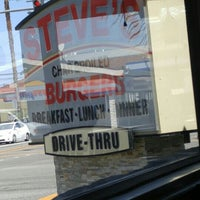 Photo taken at Steve's Burgers by Justice A. on 8/27/2015