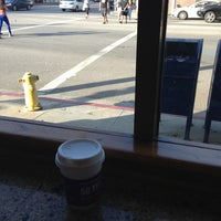 Photo taken at The Coffee Bean & Tea Leaf® by Blanca E. on 5/25/2013