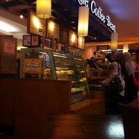 Photo taken at The Coffee Bean & Tea Leaf by The I. on 5/10/2013