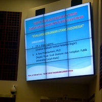 Photo taken at Ruang Rapat Badan Anggaran DPR RI by Handry S. on 2/13/2013