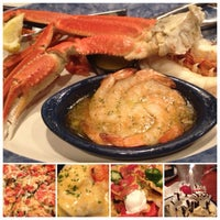 Photo taken at Red Lobster by LeO S. on 8/4/2012