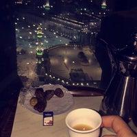 Photo taken at Mövenpick Hotel & Residence Hajar Tower Makkah by KA A. on 8/21/2016
