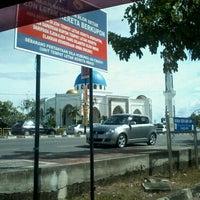 Photo taken at Masjid Al-Ghufran by Mohd Hisham H. on 12/30/2012