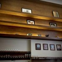 Photo taken at Vittore Cafés Especiais by Pedro L. on 1/6/2015