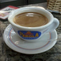 Photo taken at Nova Pérola Padaria by fabricio l. on 10/27/2012