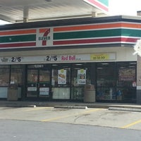 Photo taken at 7-Eleven by J V. on 2/25/2013