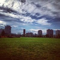 Foto tirada no(a) Parque Juan Pablo II por Samuel B. em 7/2/2013