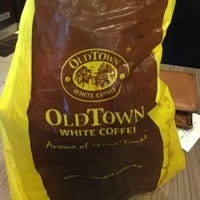 Photo taken at OldTown White Coffee by Adriana on 10/13/2016