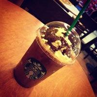Photo taken at Starbucks by ☆NuniⒺ™。◦•°●✎ J. on 12/27/2012