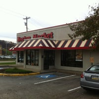 Photo taken at Boston Market by Wesley S. on 11/7/2012