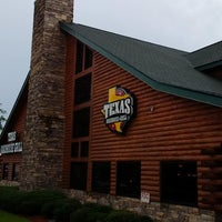 Photo taken at Texas Roadhouse Grill by Carl S. on 8/3/2014