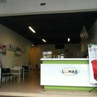 Photo taken at Lohas Tea Shop (Bubble Milk Tea) by Y.H T. on 11/29/2012