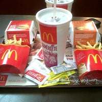 Photo taken at McDonald's by Paulo B. on 4/4/2013