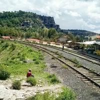 Photo taken at Ferrocarril Chihuahua Pacífico (Chepe) Estación Divisadero by Emanuel R. on 10/7/2016