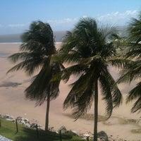 Photo taken at Hotel Praiamar by Paulo H B. on 4/13/2013