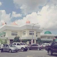 Photo taken at Masjid Telipot (مسجد تليڤوت) by NLZR R. on 1/23/2013