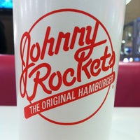 Photo taken at Johnny Rockets by Belinda M. on 1/6/2013