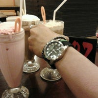 Photo taken at Obonk Steak & Ribs by Dini D. on 3/10/2014