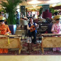 Photo taken at Sheraton Saigon Hotel & Towers by Chid M. on 4/16/2013