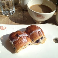 Photo taken at Le Pain Quotidien by Xanthe S. on 3/23/2013