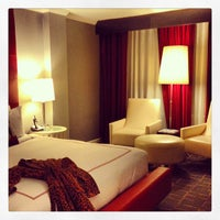 Photo taken at Kimpton Hotel Rouge by Jan-Nicolas V. on 1/6/2013