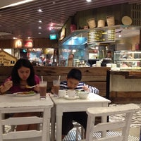 Photo taken at BreadTalk / Toast Box by Eunice on 12/10/2012