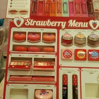 Photo taken at ETUDE HOUSE by Büşra Ö. on 2/20/2016