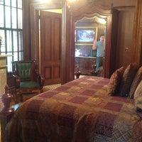 Photo taken at Mansion Inn by Sarah A. on 10/9/2013