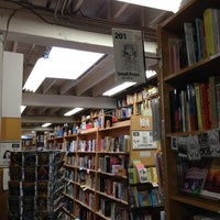 Photo taken at Powell's Books on Hawthorne by Quang N. on 2/9/2013
