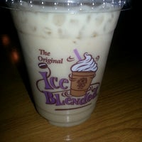 Photo taken at The Coffee Bean & Tea Leaf @ Kumho Asiana Plaza by Alicia L. on 1/4/2013