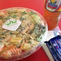 Foto tirada no(a) Mix Salads por Víctor G. em 2/4/2013