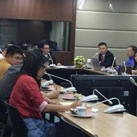 Photo taken at วิทยาลัยเพาะช่าง มหาวิทยาลัยเทคโนโลยีราชมงคลรัตนโกสินทร์ (Pohchang Academy Of Arts) by Suwan P. on 3/7/2016