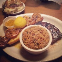 Photo taken at Texas Roadhouse by Yazeed A. on 10/21/2012