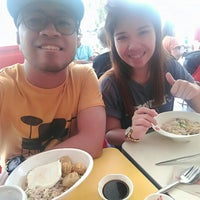Photo taken at Chowking by Migs M. on 7/30/2016
