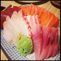 Photo taken at Kuru Kuru Japanese Restaurant by Glenn L. on 10/27/2013