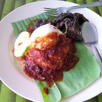 Photo taken at Nasi Lemak Saleha@Kampung Pandan by Putratama T. on 11/9/2013