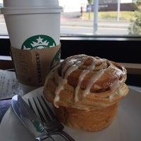 Photo taken at Starbucks Coffee 木更津店 by Masahiro T. on 4/28/2015