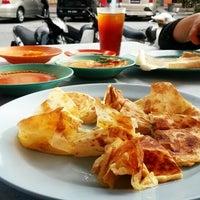Photo taken at Restoran Nikmaat by Tyra K. on 9/11/2014