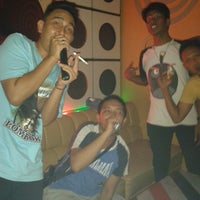 Photo taken at GnG Karaoke Keluarga by Bagus C. on 3/17/2013