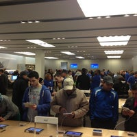 Photo taken at Apple Store, The Westchester by Matheus P. on 11/10/2012