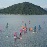Photo taken at Tai Mei Tuk Water Sports Centre 大美督水上活動中心 by Angus Y. on 9/6/2015