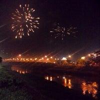 Photo taken at Banjir Kanal Timur (BKT) by Dwi jayanto W. on 12/31/2013