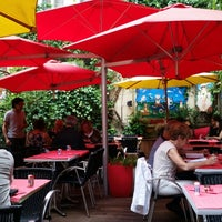 Photo taken at Les Compagnons de la Grappe by JeeP on 7/27/2014