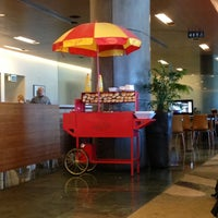 Photo taken at Air New Zealand Koru Lounge by Pisitvate T. on 10/7/2012