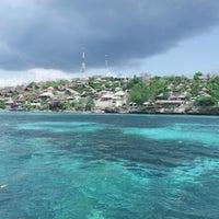 Photo taken at Bali Hai Cruises by Shinta Julia on 10/19/2012