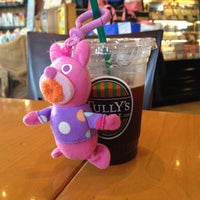 Photo taken at TULLY'S COFFEE トレアージュ白旗店 by Yuki N. on 8/11/2013